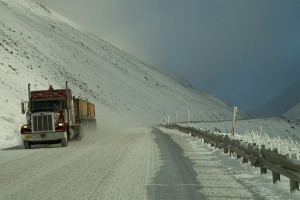 trucking-in-snow-1357665-1279x850